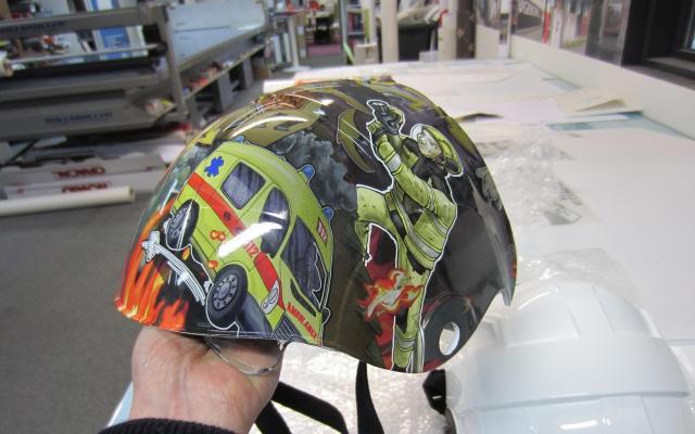 Helm gewrapt in folie