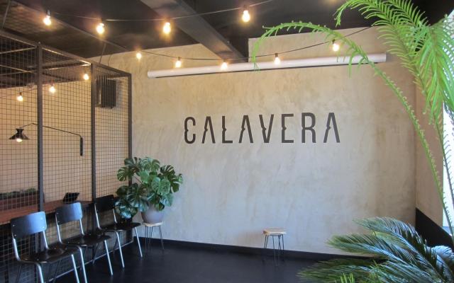 Calavera, kleeftekst op de muur