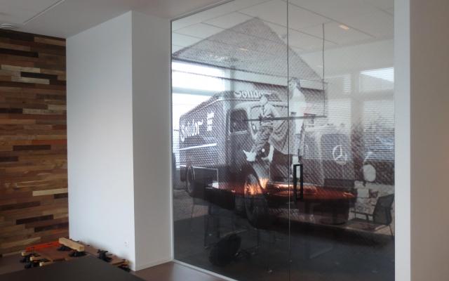 Transparante folie op glazen deur