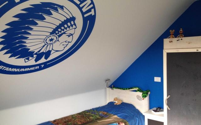 Matte sticker logo Buffalo's op slaapkamermuur